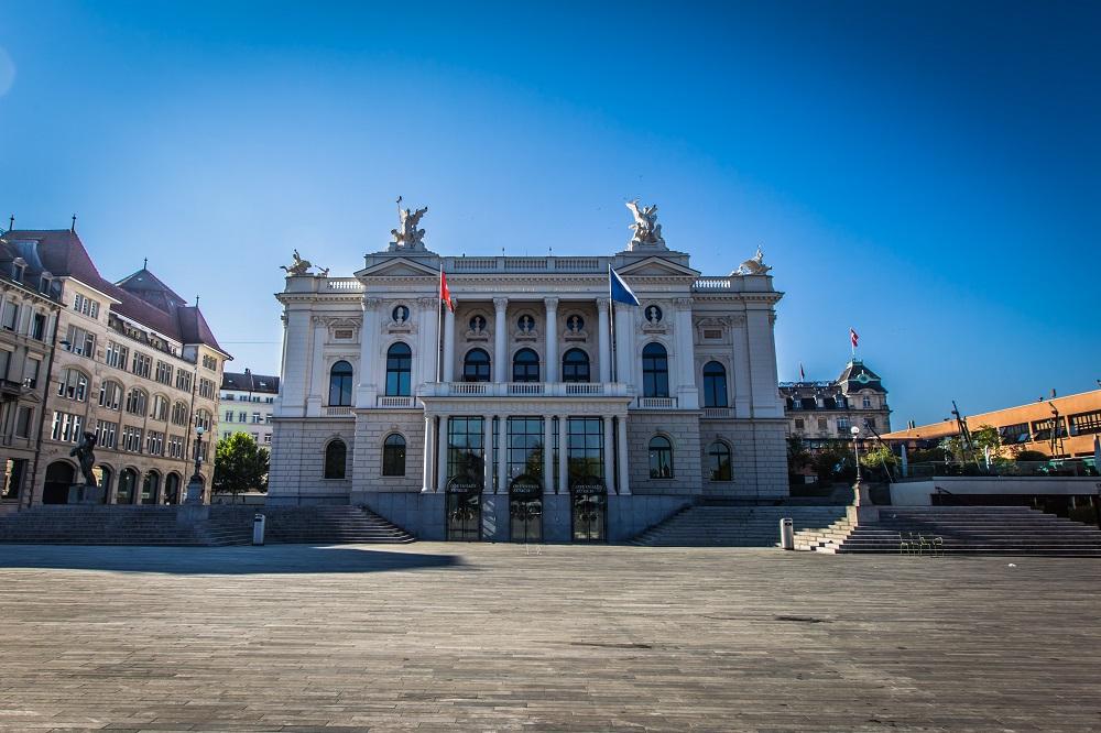 《 10月19日:竹下数雄のオペラ散歩~チュ-リッヒ歌劇場周辺を巡る 》